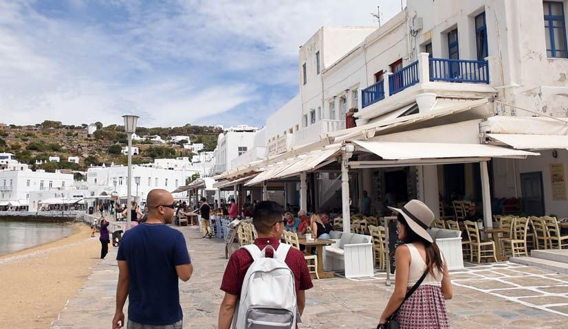 greece itinerary mykonos old port