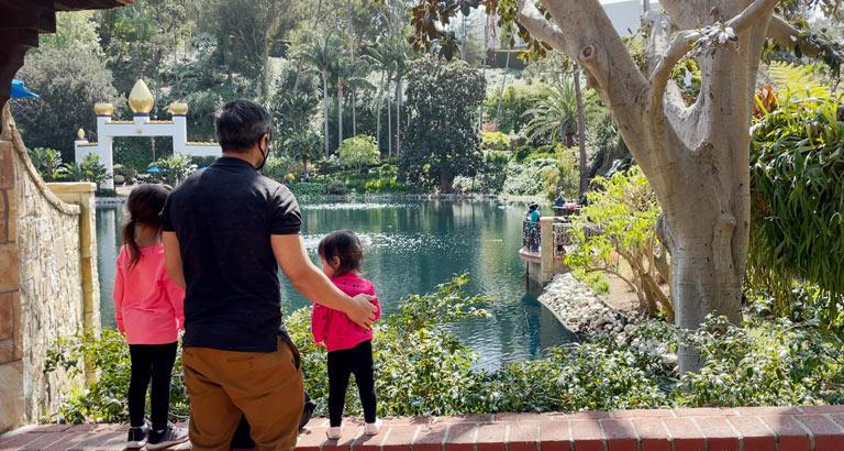 Lake Shrine with kids
